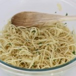 garlic pasta with herbs and breadcrumbs