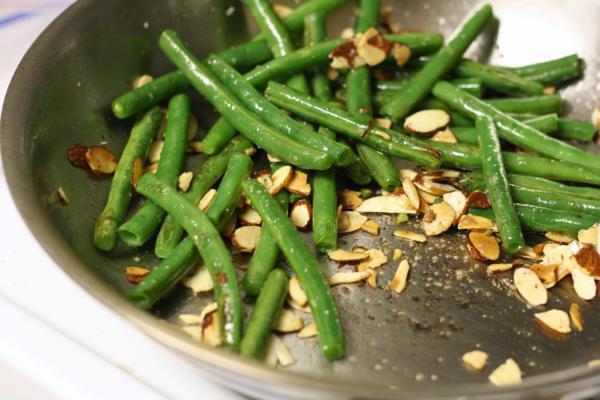 garlic almond green beans