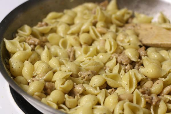 pasta with sausage and white beans