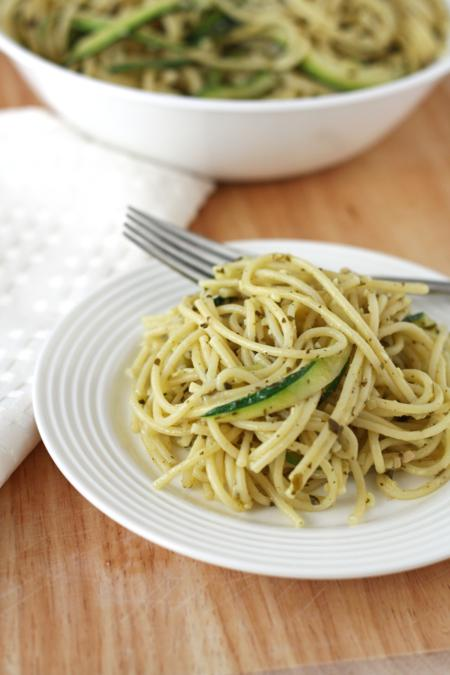 zucchini pasta with pesto